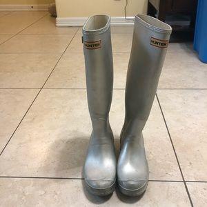 🌧NEW LISTING🌧 Hunter Silver Tall rain boots